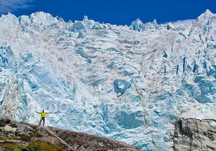 Full day excursion glacier Leones