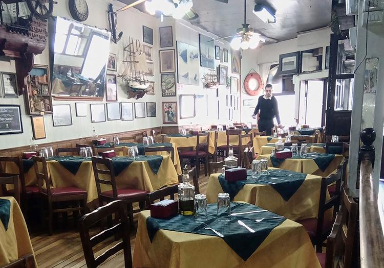 Bar Cinzano, Valparaiso