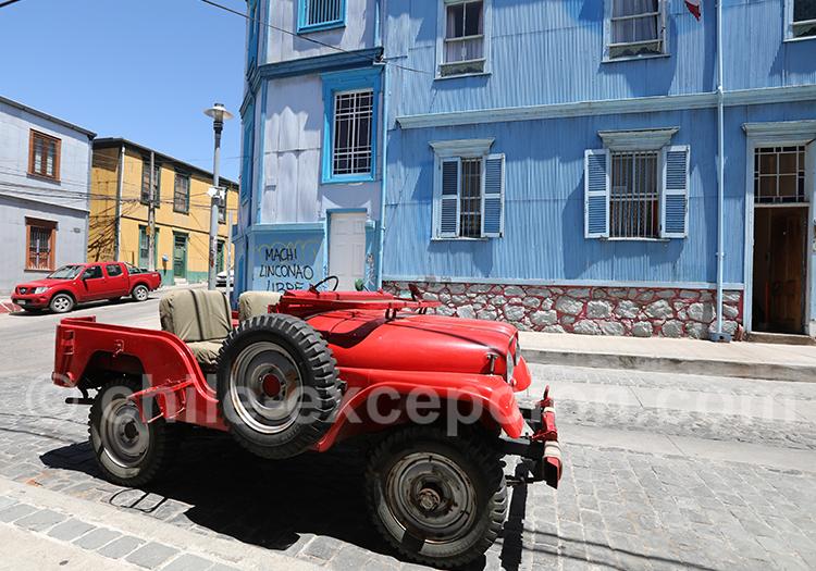 Promenade dans les rues de Valparaiso