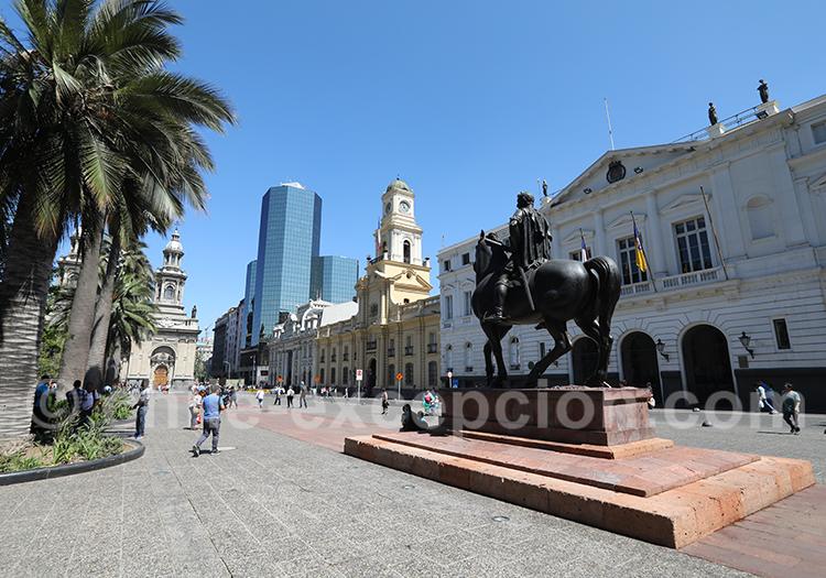 Promenade place d'Armes à Santiago