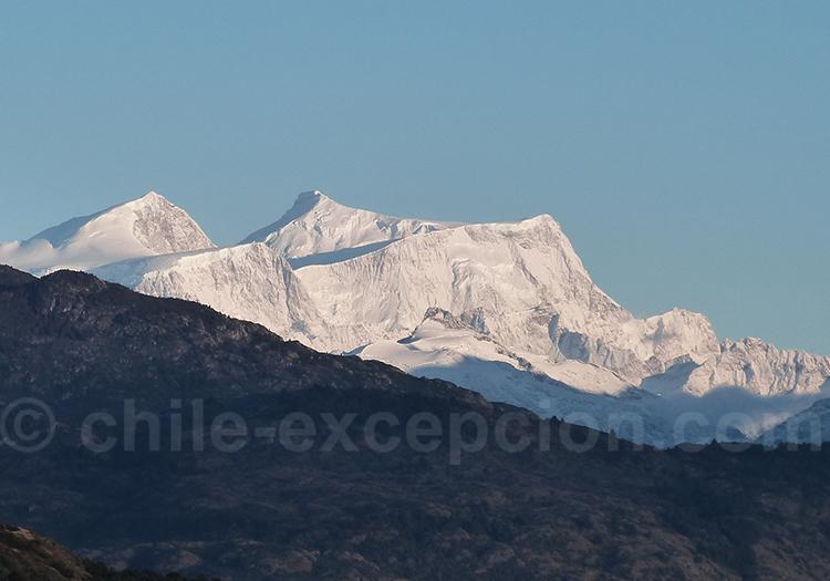 Mont San Valentin, champ de glace patagonique