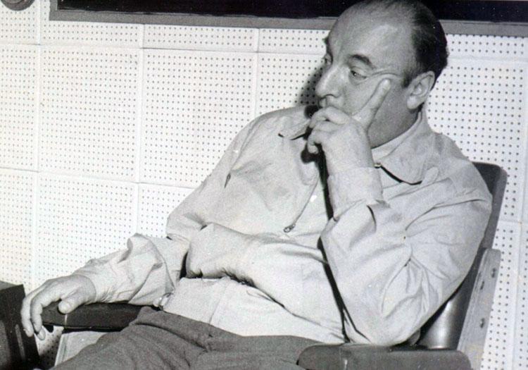 Pablo Neruda licence cc wikipedia Moniz_Bandeira