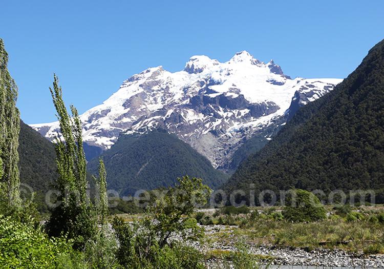 Volcan Tronador vu du Chili