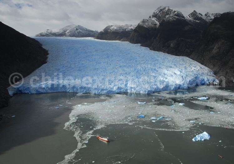 Au pied du Glacier San Rafaël