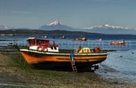 Embarcations de pêcheurs à Quellón, volcán Corcovado, Grande Île de Chiloé