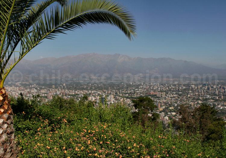 Santiago et les Andes vus du Cerro San Cristobal