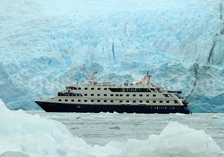 Croisière Australis, navigation au pied des glaciers patagons
