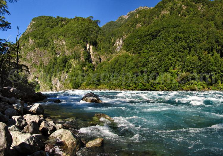 Parc national Vicente Pérez Rosales, río Petrohué