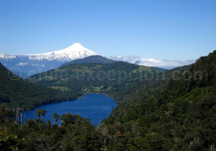 Parc national Huerquehue, lac El Toro et volcan Villarrica