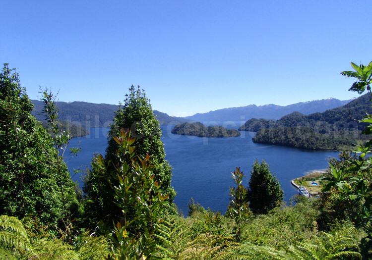 Paysages du fjord de Quitralco
