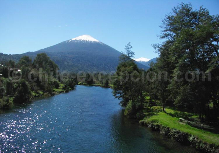 Parc national Hornopirén, volcan Hornopirén, Chili, avec l'agence de voyage Argentina Excepción
