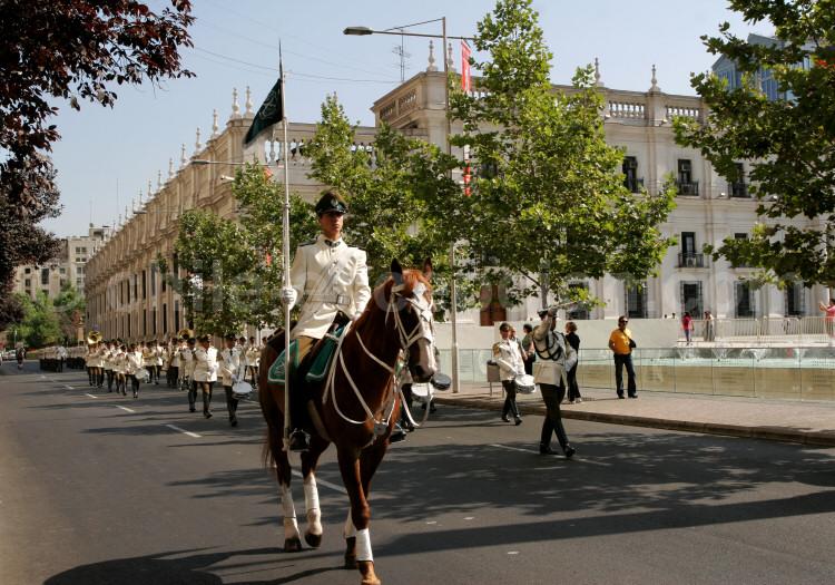 Défilé sur la Place d'Armes, Santiago du Chili