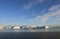 Côtes de la Péninsule Antarctique. ©Claudio Suter