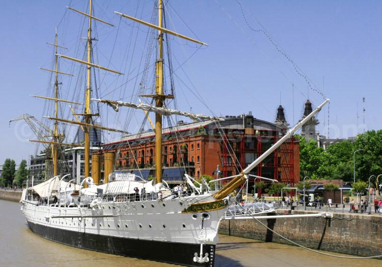 Frégate Sarmiento (musée), Dique 3 Puerto Madero, Buenos Aires
