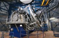 Le télescope Vista dans son dôme. Il a un miroir de 4,1 mètres - Crédit ESO