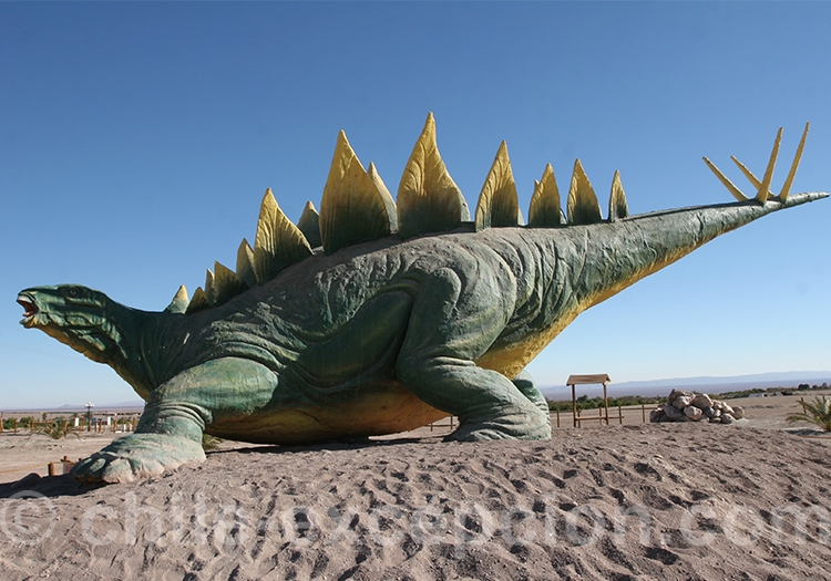 Réplique d'un Estegosaure, Chacarilla, près de Pica