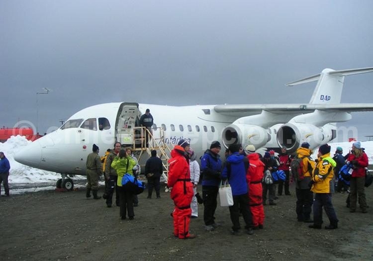 Avion Antarctique BAE-146, Croisière Antarctique ©Declan Sharlkey & Anna Obrien - 1/6