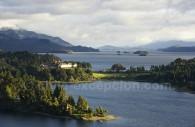 Mer, lacs et montagne de Patagonie