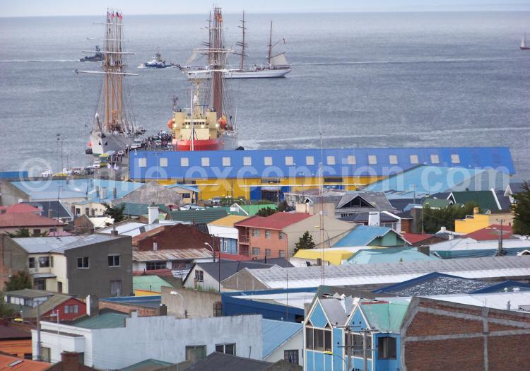 port_punta_arenas_big.jpg