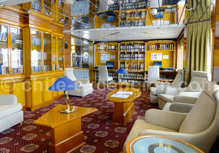 Sea Explorer, Bibliothèque