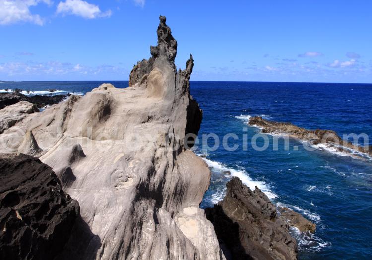 Pic de lave sur l'Océan Pacifique