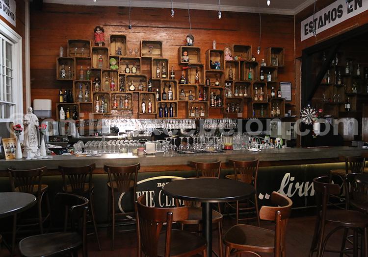Bar The Clinic, Iquique