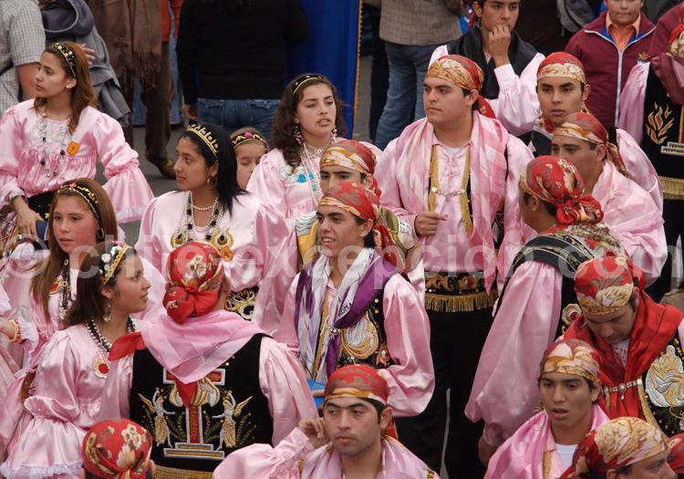 Différents costumes, fête de la Tirana
