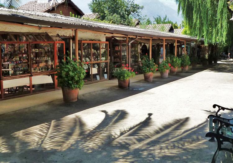 Boutiques d'artisanat et de Lapis lazuli, Los Dominicos