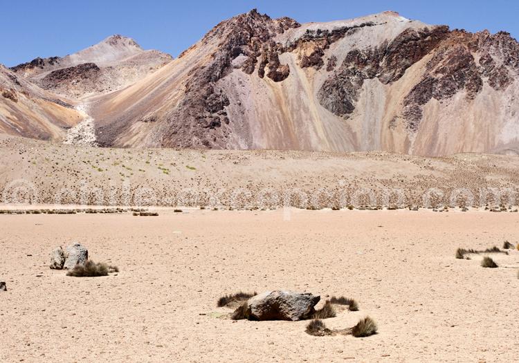 Roches volcaniques, Suriplaza au Chili
