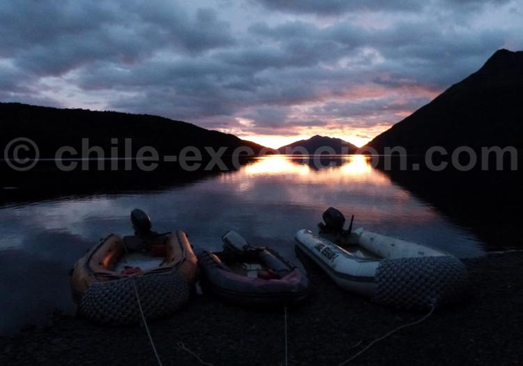 Coucher du soleil sur les rives du Lago Deseado