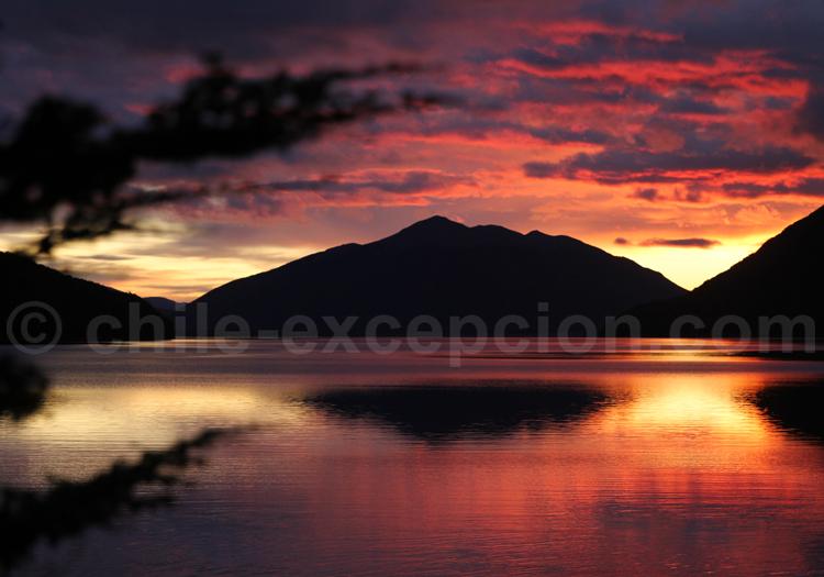 Couchant sur le Lago Deseado