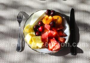 Petit-déjeuner aux fruits
