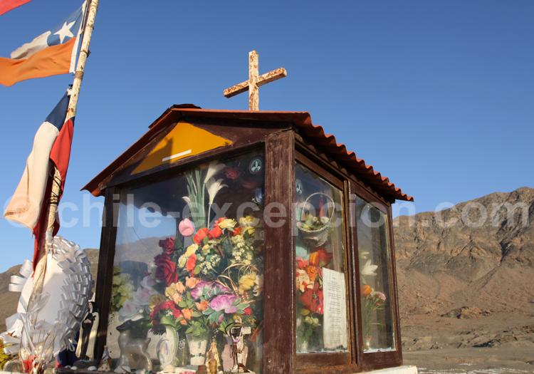 Autel au bord de la route, Nord du Chili