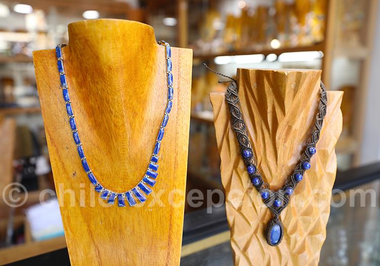 Collier en lapis lazuli, pierre nationale du Chili