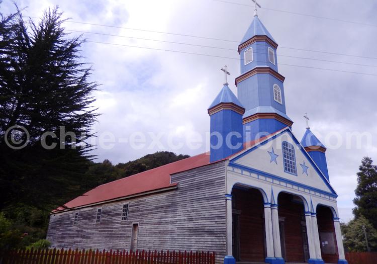Eglise en bois de Tenaun