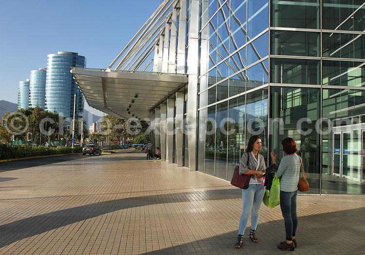 Tour Sky Costanera, centre commercial de Santiago de Chile