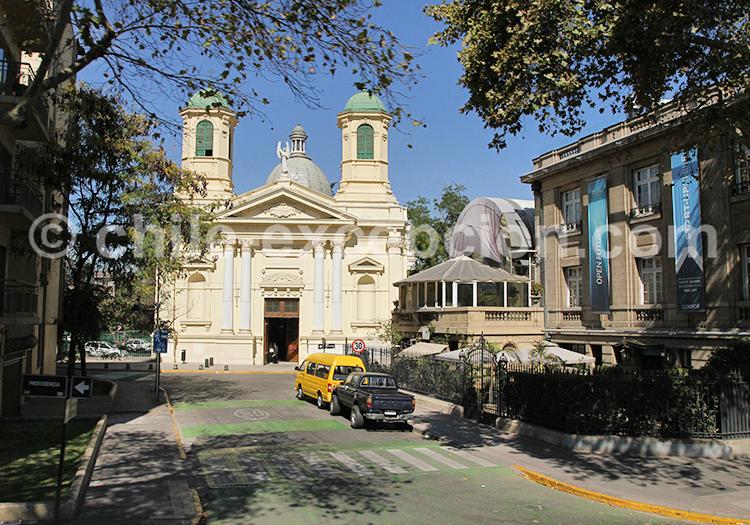 Parroquia Santa Iglesia Católica, Providencia, Santiago de Chile