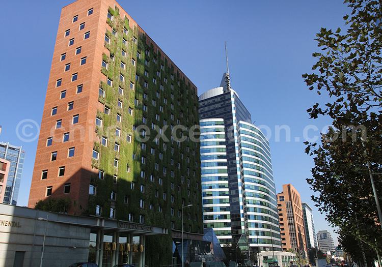 Rues de Las Condes, el Golf, Santiago