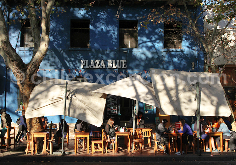 Plaza blue, Bellavista, Santiago de Chile