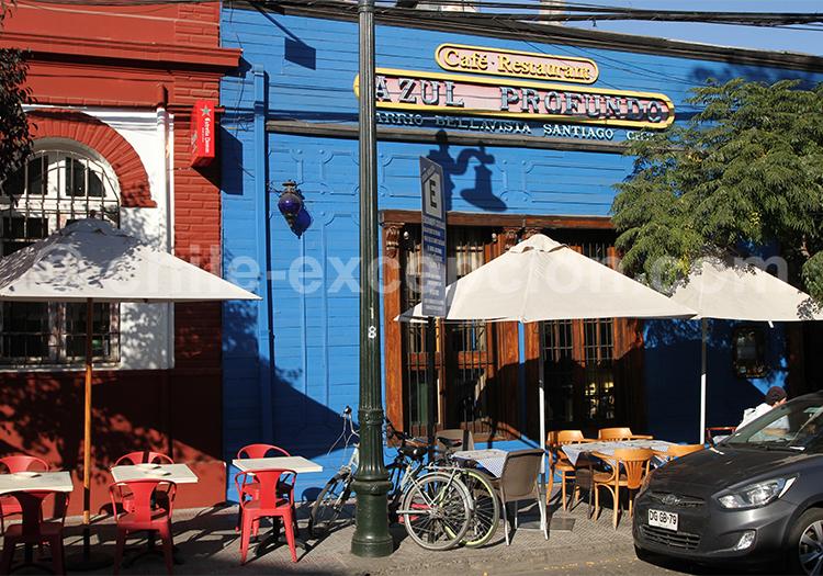Azul profundo, Bellavista, Santiago de Chile