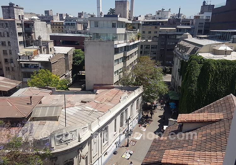 Vue sur les toits du quartier Lasterria, Santiago, Chili avec l'agence de voyage Chile Excepción