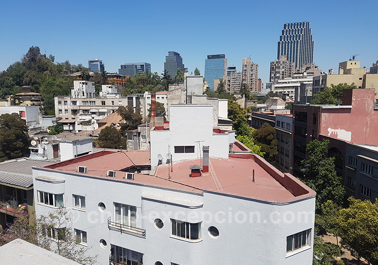 Rooftop depuis le quartier de Lastarria à Santiago de Chile avec l'agence de voyage Chile Excepción