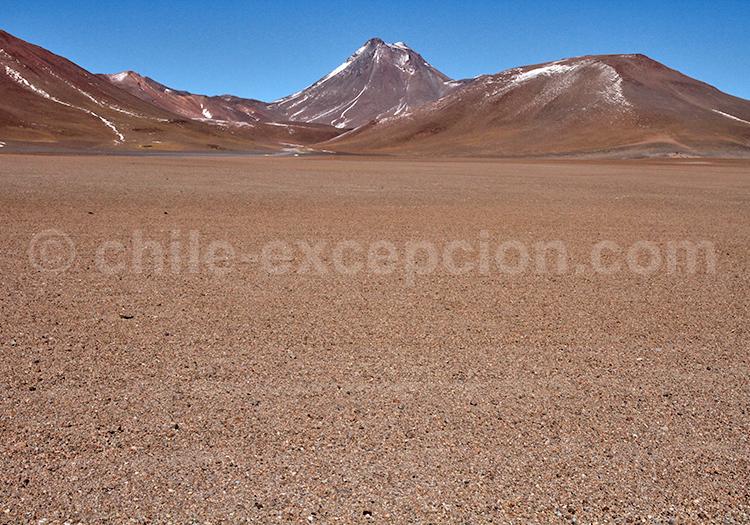 Strato volcan Pili, Chili