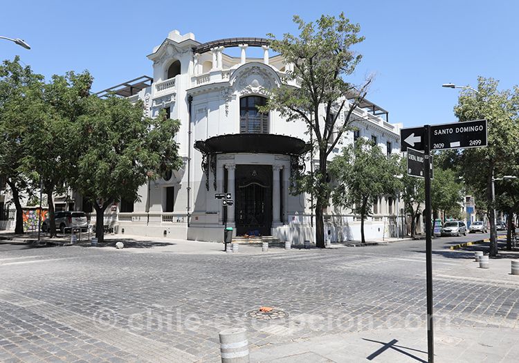 Maison d'angle, typique du quartier Yungay à Santiago de Chile