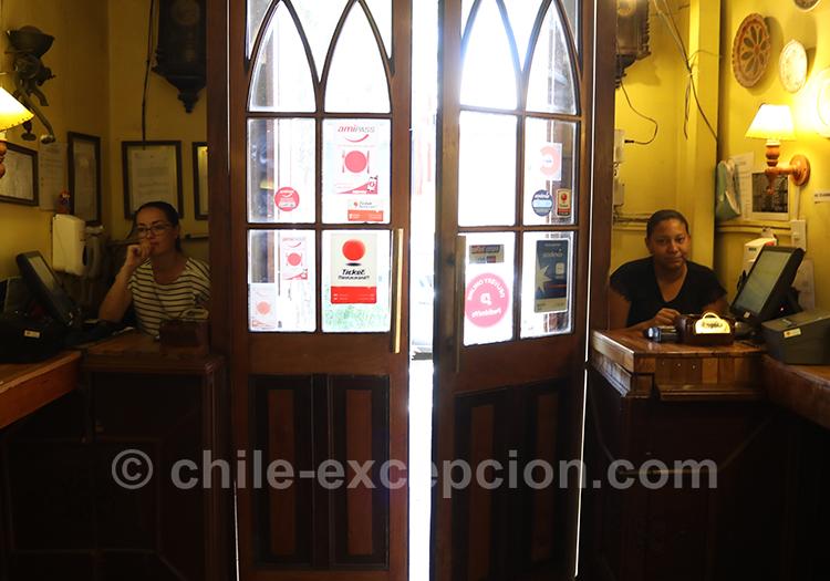 Restaurant typique du quartier Yungay à Santiago