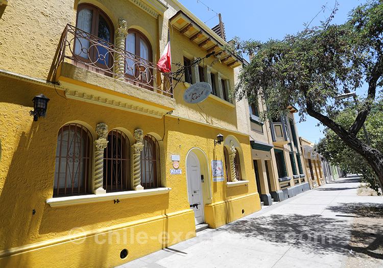 Maison jaune de Yungay, superbe quartier de Santiago de Chile