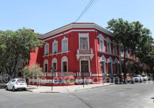Les façades colorées du barrio Yungay