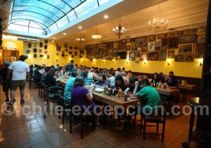 Restaurant populaire du quartier de Yungay