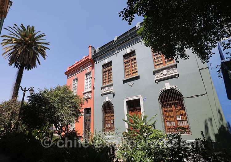 Se promener dans les rues du quartier Yungay, Santiago, Chili