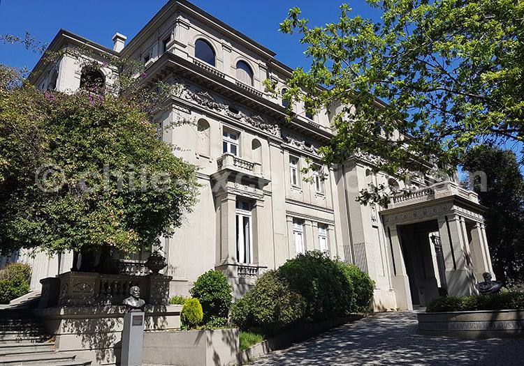 Palacio Bruna, quartier Lastarria, Santiago, Chili avec l'agence de voyage Chile Excepción